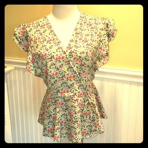 Super Cute !! Floral Print Top
